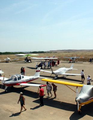 Aircraft concentration demonstration closure of aerodrome
